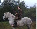 Ex-Vasco, chileno Pinilla exibe foto com espingarda e gera polêmica entre fãs