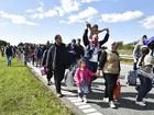 Fluxo de até mil imigrantes chegam à Dinamarca para prosseguir à Suécia