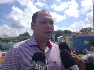 Robson Rocha, prefeito de Santana (Foto: Dyepeson Martins/G1)