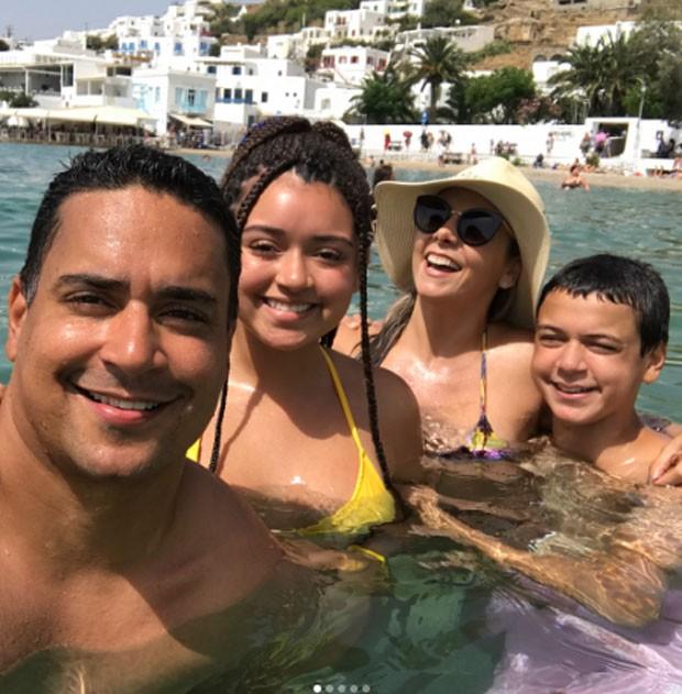 Xanddy, Camilly, Carla Perez e Victor (Foto: Reprodução)