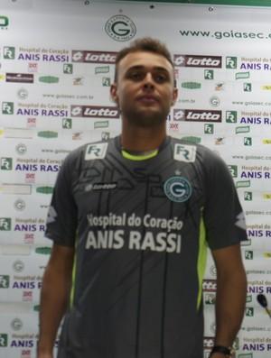 Renan, goleiro do Goiás (Foto: Daniel Mundim/GLOBOESPORTE.COM)