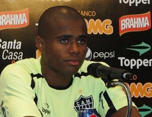 Eron, lateral do Atlético-MG (Foto: Fernando Martins/Globoesporte.com)
