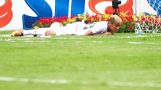 Neymar na partida do Santos contra o Corinthians (Foto: Marcos Ribolli / Globoesporte.com)