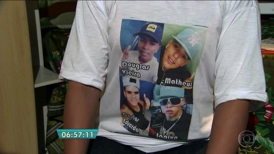 Um ano após assassinato de 4 jovens em Carapicuíba, ninguém foi preso