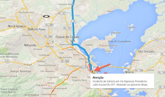 Acidente de trânsito indicado no Google Maps através de relato no Waze (Foto: Reprodução/Marvin Costa)