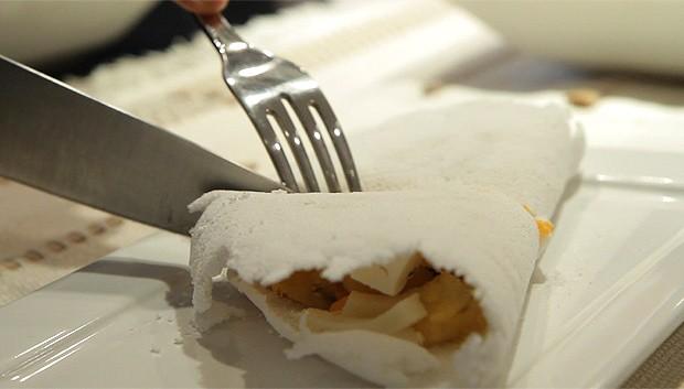 Tapioca com recheio de palmito, banana, mussarela e cheddar (Foto: Casa e Comida)