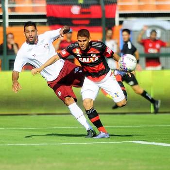 Flamengo - Fluminense - Pacaembu - Cuéllar - Diego Souza (Foto: Marcos Ribolli)