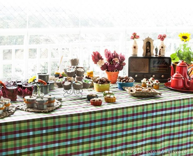 Com dicas práticas e rápidas você pode montar uma linda mesa e agradar a todos no seu 'arraiá' (Foto: Mais Você/ TV Globo)