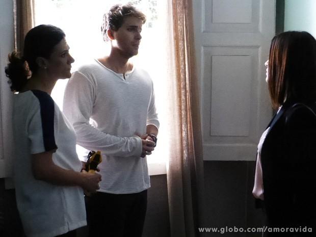 Niko fica arrasado por não poder falar com Jayminho... (Foto: Amor à Vida / TV Globo)