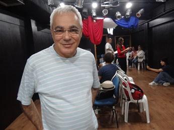 Candegue lembra que Rodrigues teria escrito 'Senhora dos Afogados' após temporada no Recife (Foto: Luna Markman/ G1)