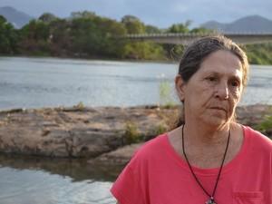 Dona Angelina mora à beira do Rio Doce, no espírito santo (Foto: Viviane Machado/ G1)
