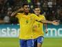 """Gabriel Jesus comemora regularidade na Seleção e explica gol """"Alô, mãe!"""""""