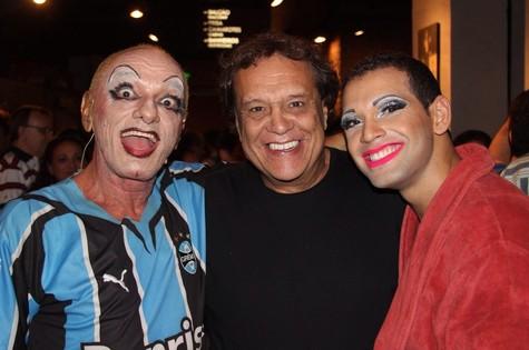 Dennis Carvalho com Bayard Tonelli e Leandro Melo (Foto: Studio Prime)