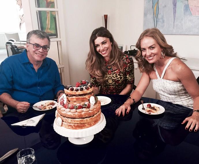 Grazi e Angélica visitam a casa de Walcyr Carrasco (Foto: Divulgação / Deborah Montenegro)