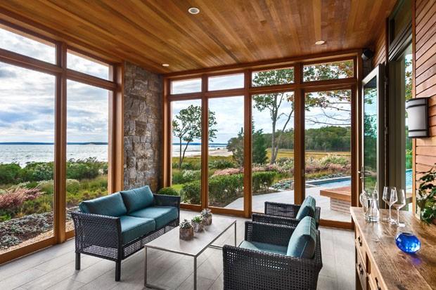 Casa de pedra e madeira (Foto: Marc Bryan-Brown / divulgação)