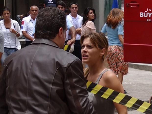 Deu ruim! Jéssica dá de cara com Russo (Foto: Salve Jorge/TV Globo)