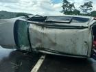 Bebê de três meses morre após ser lançada para fora de carro, em Goiás