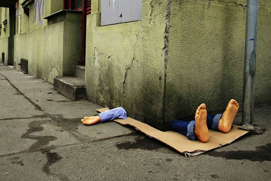 Artista italiano provoca com arte efêmera e criativa (Foto: Fra.Biancoshock)