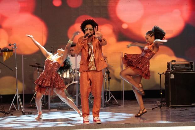Revelação da música baiana, Magary Lord canta seus hits no Caldeirão (Foto: Caldeirão dO Huck/ TV Globo)