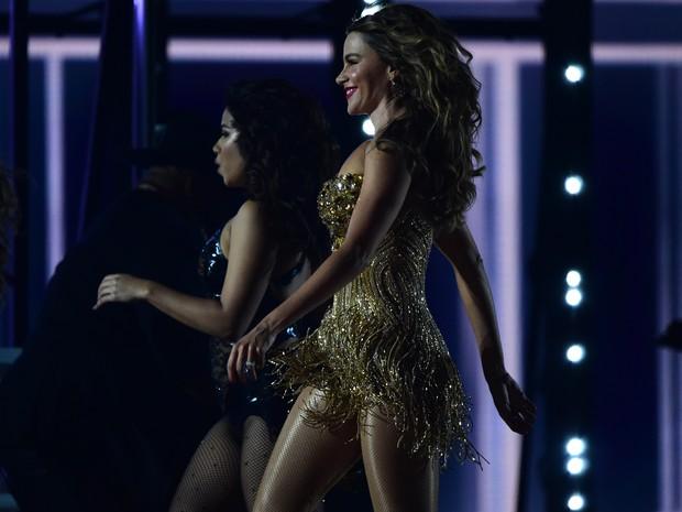 Pitbull e Sofia Vergara em apresentação no Grammy, em Los Angeles, nos Estados Unidos (Foto: Robyn Beck/ AFP)