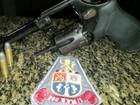 Homem é preso após ser localizado com um revólver em São Vicente, SP