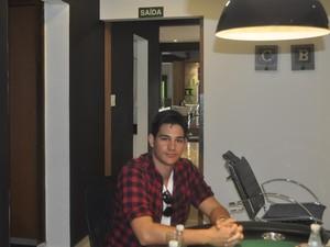 O universitário Matheus Melhado Telles concorda que a aparência reflete a autoestima do homem (Foto: Regina Santomauro/G1Campinas)