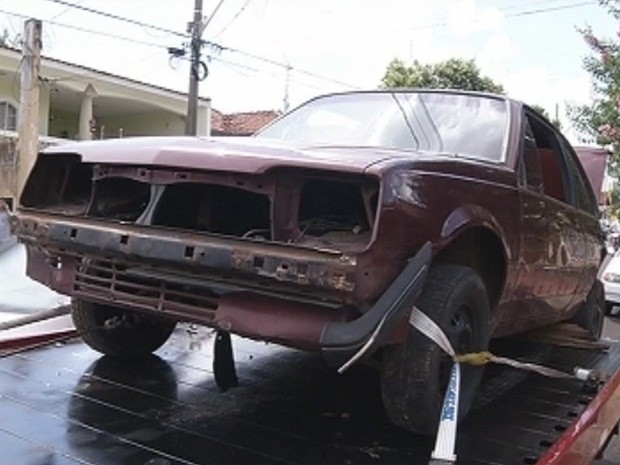 Veículos estava em uma casa, no bairro Santa Antonieta (Foto: Reprodução/TV TEM)