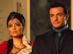 Raj e Maya (Foto: Caminho das Índias/TV Globo)