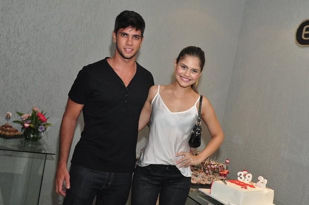 Jéssika Alves e namorado (Foto: Roberto Teixeira/EGO)