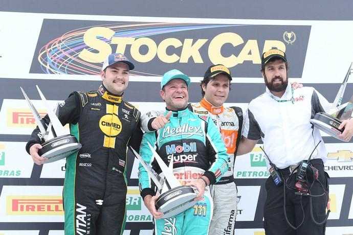 Rubens Barrichello pódio stock car Goiânia (Foto: Fernanda Freixosa / RF1)
