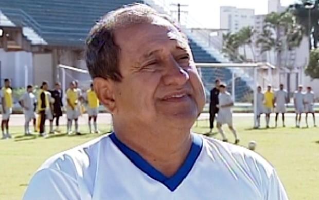 Avelino, técnico do Araçatuba na segunda divisão do Paulista (Foto: Reprodução/TV TEM)
