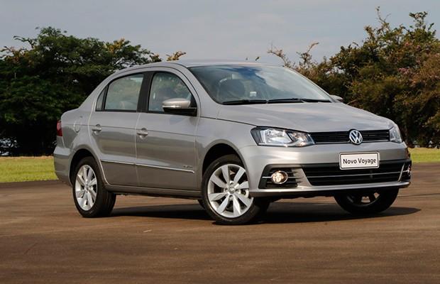 Reforma do Volkswagen Voyage se concentrou mais na dianteira (Foto: Marcelo Spatafora/Autoesporte)
