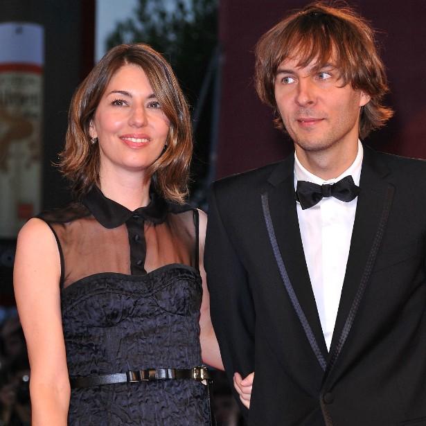 Após namorar com uma série de roqueiros, a premiada cineasta Sofia Coppola se casou em 2011 pela segunda vez. O felizardo é Thomas Mars, francês líder da banda Phoenix. (Foto: Getty Images)
