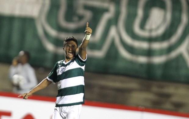 Erik gol Goiás (Foto: André Costa / Ag. Estado)