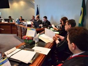 Mutirão do TRE pretende julgar 35 pedidos de registro de candidatura em três sessões (Foto: Divulgação/Orib Ziedson/TRE)