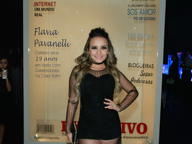Larissa Manoela em festa em São Paulo (Foto: Amauri Nehn/ Brazil News)