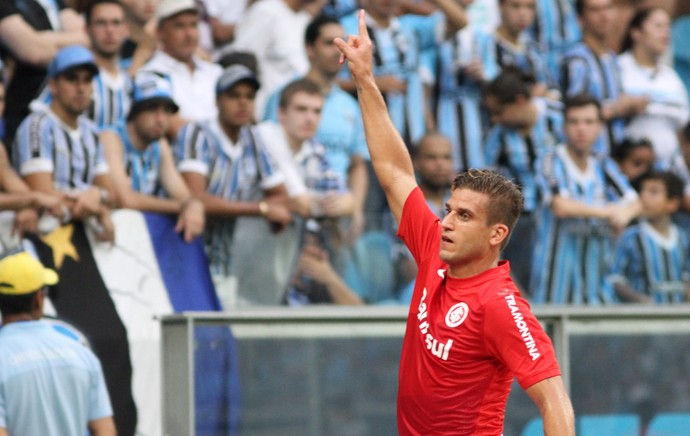 Rafael Moura comemora, Grêmio x Internacional (Foto: Luciano Leon/Agência Estado)