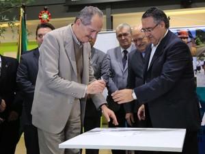Aldo Rebelo e Raimundo Colombo participaram do encontro 'Fomento à Inovação' (Foto: Julio Cavalheiro/Secom)