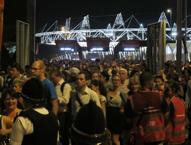Saída do Parque Olímpico com estádio ao fundo (Foto: Cahê Mota/Globoesporte.com)