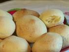 Receita mineira de pão de queijo especial é feita com leite de búfala