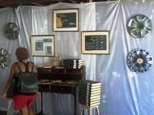 Quadros e esculturas fazem parte da mostra (Foto: Divulgação / Casa de Cultura)