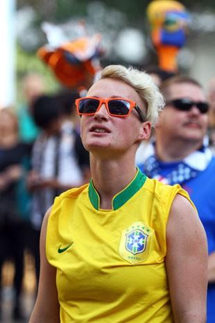 A estoniana Elza Sakz, que viaja sem dinheiro pelo mundo, na Fan Fest de São Paulo (Foto: Fernando Nunes/Arquivo pessoal)