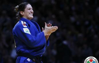 Mayra Aguiar derrota a maior rival e leva o ouro no Grand Slam de Paris
