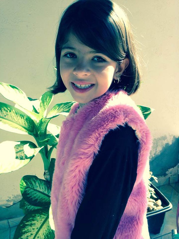A pequena Larissa (Foto: Reprodução/Facebook)