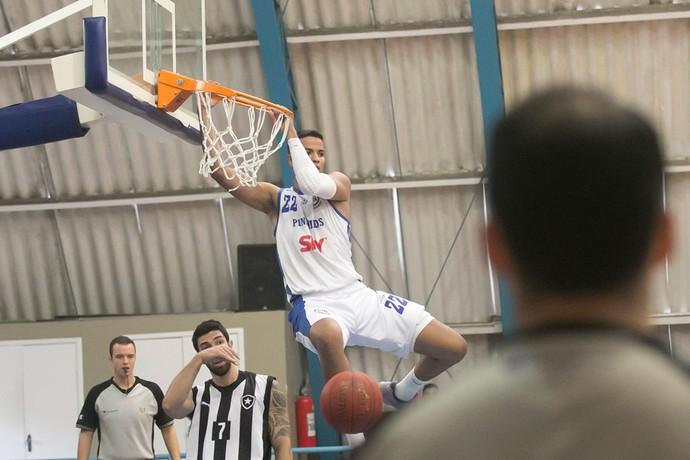 Lucas Dias, Pinheiros Botafogo Basquete (Foto: Nelson Toledo / LNB)