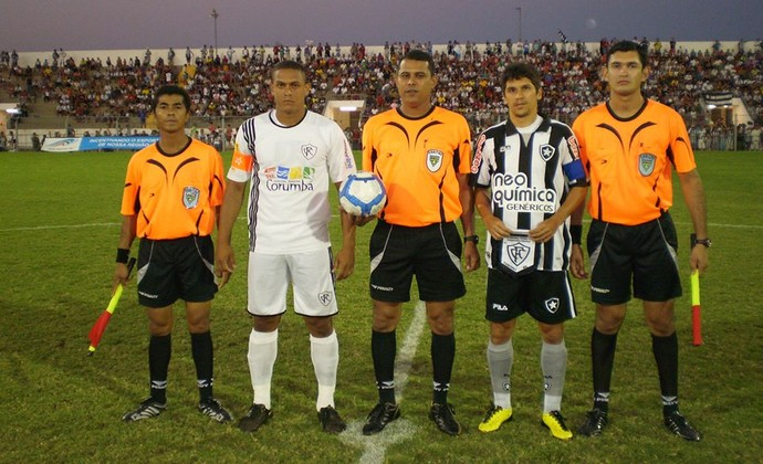 Árbitro Erlanderson Martinez (ao centro) (Foto: Arquivo pessoal)