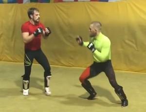BLOG: Conor McGregor treina mudança de base para luta contra Rafael dos Anjos
