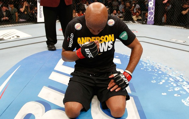 Anderson Silva x Chris Weidman UFC 162 (Foto: Getty Images)