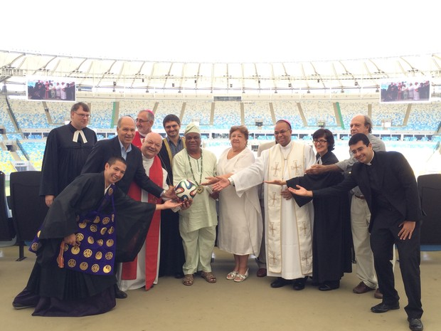 Ato ecumênico no Maracanã na manhã desta segunda-feira (19) (Foto: Daniel Silveira/G1)