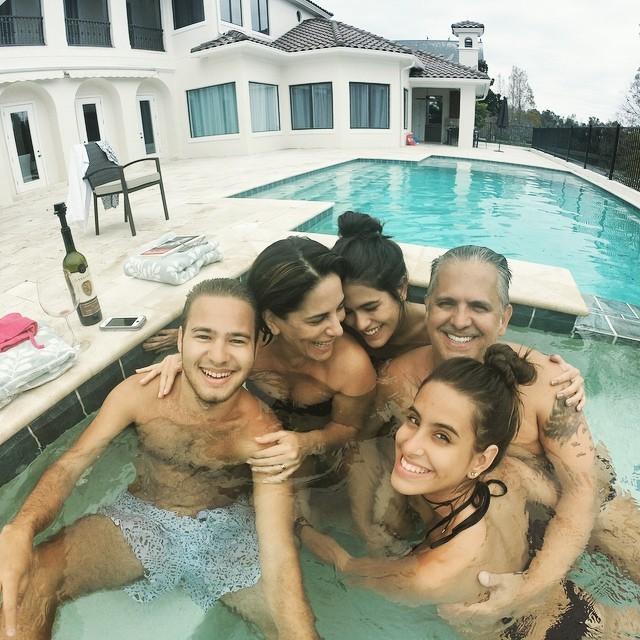 Glória Pires em família (Foto: Reprodução/Instagram)